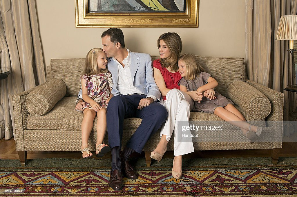 In this handout photo provided by the Royal Press Department, Princess Letizia of Spain, Prince Felipe of Spain and their children, Princesses Leonor and Sofia pose at Zarzuela Palace on September 15, 2012 in Madrid, Spain. Princess Letizia of Spain celebrates her 40th birthday today.