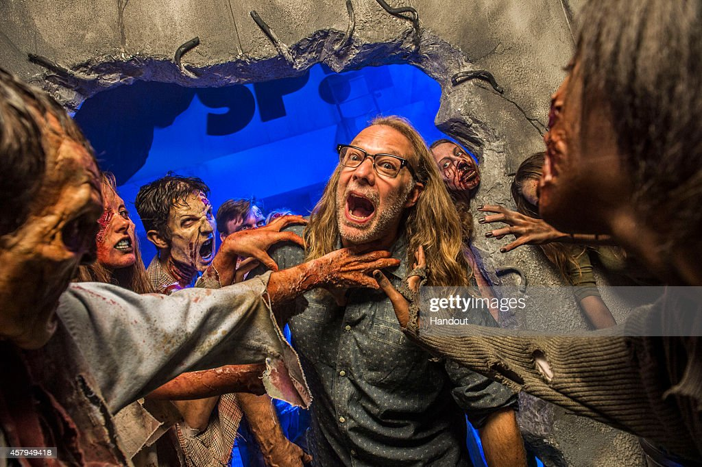 Greg Nicotero Visits AMC's The Walking Dead: End of the Line Haunted House At Universal Orlando's Halloween Horror Nights 24