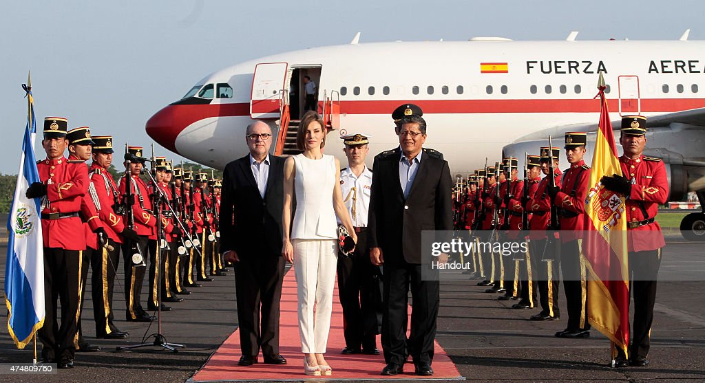 In this handout picture Queen Letizia of Spain arrives to El Salvador after visiting Honduras at El Salvador International Airport on May 26, 2015 in San Luis Talpa, El Salvador. Letizia of Spain is visiting Honduras and El Salvador where she is promoting women's rights and other topics as the support for the most disadvantaged.