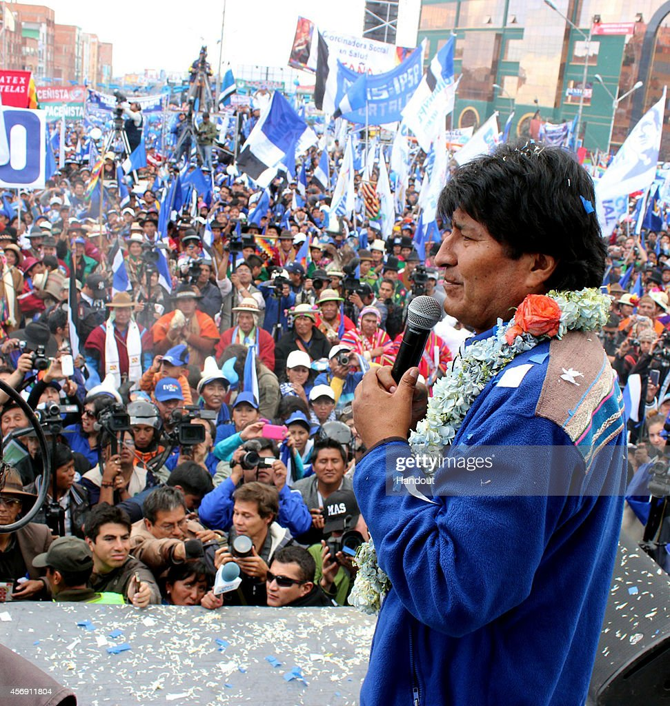 In this handout provided by Ministerio de La Presidencia, president of Bolivia and presidential candidate of the Socialist Movement, Evo Morales speaks during a closing ceremony of his presidential election campaign in El Alto on October 08, 2014 in La Paz, Bolivia. Bolivia will hold a presidential election on October 12.