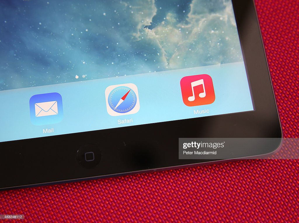 In this photo illustration an Apple iPad displays it's home screen on August 6, 2014 in London, England. iPad maker Apple is selling fewer units than in the same quarter in 2013, it is reported.
