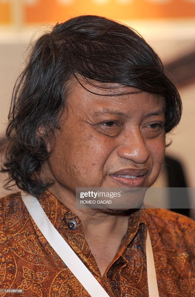 In this photograph taken April 17, 2012 Indonesia's deputy energy and minerals minister Widjajono Partowidagdo is seen at the Australian mining conference in Jakarta. Partowidagdo died after collapsing April 21, 2012 while climbing a 2,800-metre (9,200-foot) volcano, Mount Tambora, on Sumbawa island, a presidential spokesman said. AFP PHOTO / ROMEO GACAD