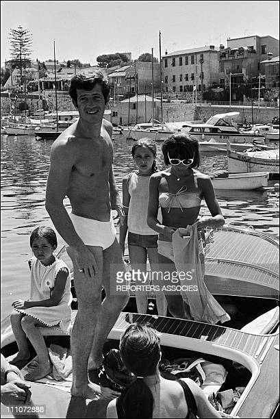 BELMONDO in VACANCY with FAMILY JeanPaul Belmondo wife Elodie and daughters Patricia and Florence in France on July 15 1965