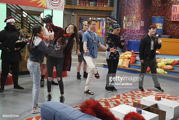 BIZAARDVARK 'In Your Space' Paige and Frankie along with fellow Vuuglers Victor and Dirk are picked to participate in a popular web series reality...