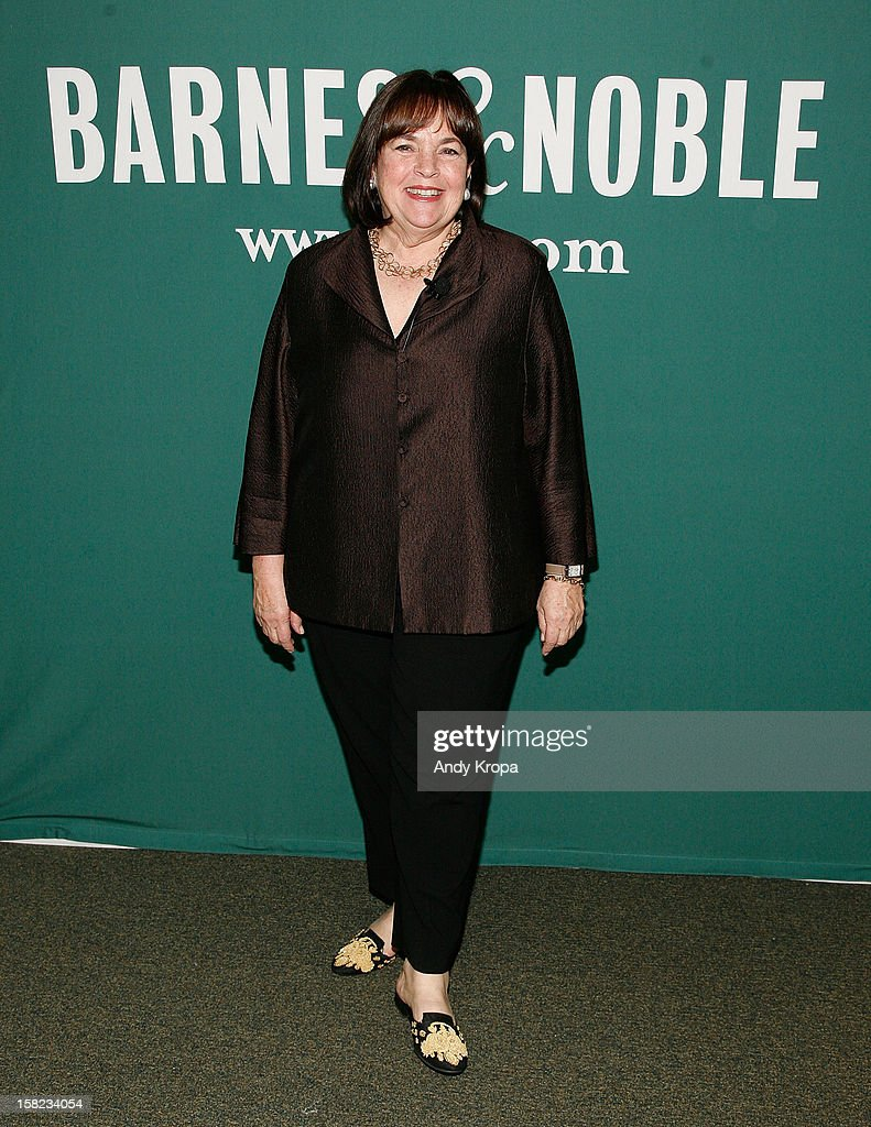 ina garten signs copies of her book
