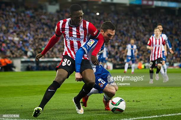 Inaki Williams of Athletic Club fights for the ball with Anaitz Arbilla of RCD Espanyol during the Copa del Rey SemiFinal Second Leg match between...