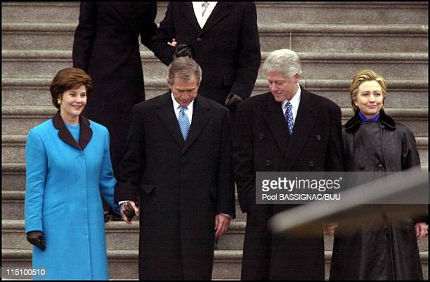 Inaugural parade in front of the White House in Washington United States on January 20 2001 Mrs Clinton leave the Capitol accompagnied by Mrs Georges...