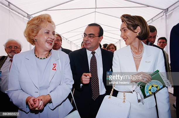 Inauguration of the 'Ayrton Senna' Renault car factory in Brazil In the center is Carlos Ghosn Director General of Renault since 1996 At right is...