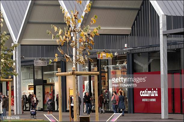 Inauguration of the Marques Avenue shopping center at La Seguiniere near Cholet France On October 12 2005The Seguiniere Marques Avenue a group of...