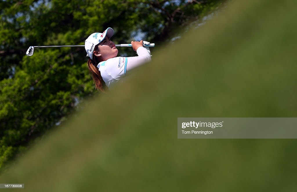 <a gi-track='captionPersonalityLinkClicked' href=/galleries/search?phrase=Inbee+Park&family=editorial&specificpeople=4532692 ng-click='$event.stopPropagation()'>Inbee Park</a> of South Korea hits a shot during the final round of the 2013 North Texas LPGA Shootout at the Las Colinas Counrty Club on April 28, 2013 in Irving, Texas.
