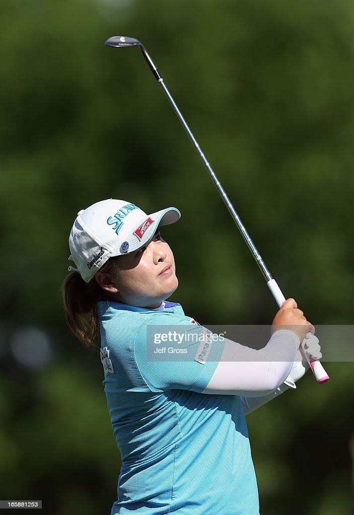 <a gi-track='captionPersonalityLinkClicked' href=/galleries/search?phrase=Inbee+Park&family=editorial&specificpeople=4532692 ng-click='$event.stopPropagation()'>Inbee Park</a> of South Korea hits her approach shot on the 11th hole during the third round of the Kraft Nabisco Championship at Mission Hills Country Club on April 6, 2013 in Rancho Mirage, California.
