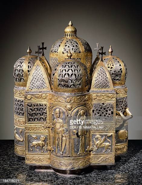 Incense burners and reliquary in the shape of a domed building filigreed Goldsmith art Italy 12th century