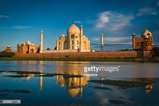 India, Agra, Taj Mahal reflecting in river