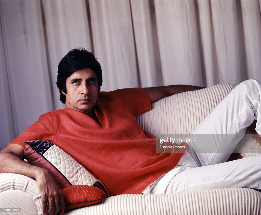 1987, India, Portrait of <a gi-track='captionPersonalityLinkClicked' href=/galleries/search?phrase=Amitabh+Bachchan&family=editorial&specificpeople=220394 ng-click='$event.stopPropagation()'>Amitabh Bachchan</a> sitting on sofa.