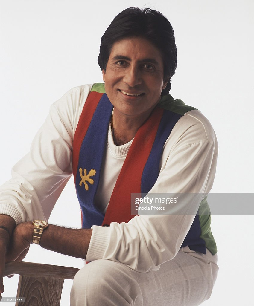 1988, India, Portrait of <a gi-track='captionPersonalityLinkClicked' href=/galleries/search?phrase=Amitabh+Bachchan&family=editorial&specificpeople=220394 ng-click='$event.stopPropagation()'>Amitabh Bachchan</a> smiling.