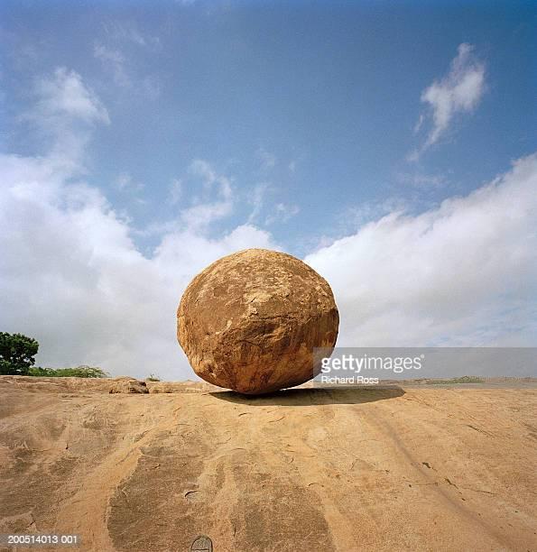India, Tamil Nadu, Mamallaparum, large rock