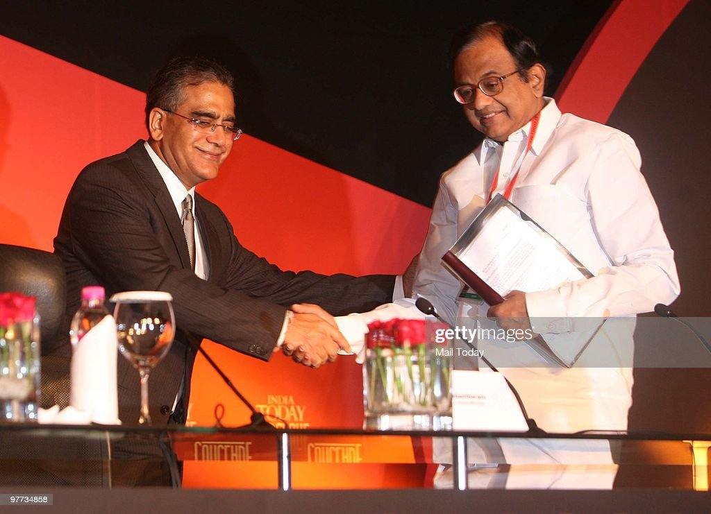 India Today group chairman Aroon Purie with Union Home Minister P Chidambaram at the India Today Conclave in New Delhi on March 12, 2010.