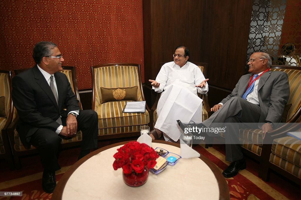 India Today group chairman Aroon Purie with Union Home Minister P Chidambaram and India Today Editor Prabhu Chawla at the India Today Conclave in New...