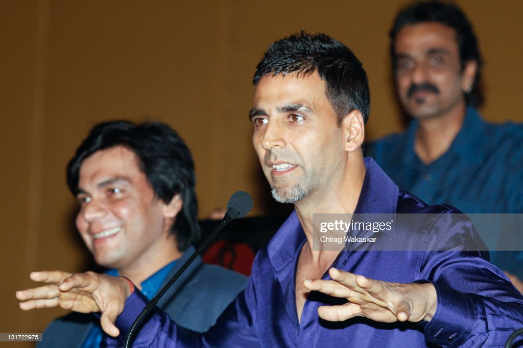 Indian actor <a gi-track='captionPersonalityLinkClicked' href=/galleries/search?phrase=Akshay+Kumar&family=editorial&specificpeople=752716 ng-click='$event.stopPropagation()'>Akshay Kumar</a> attends the press conference of bollywood movie 'Blue' held at Hotel Renaissance on March 06, 2009 in Bombay, India