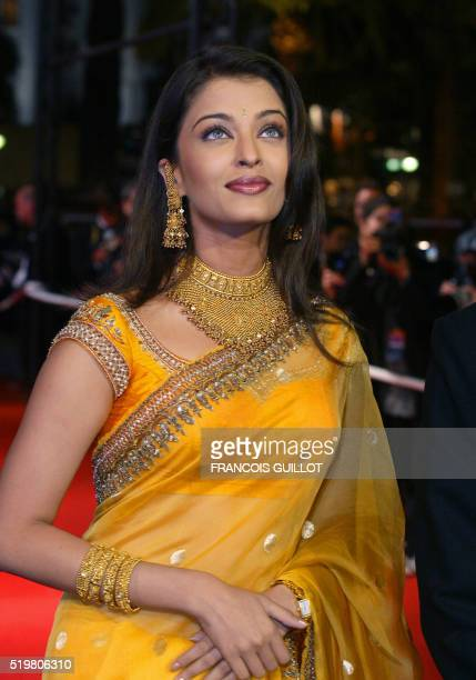 Indian actress Aishwarya Rai arrives at the Palais des festivals to attend the screening of the film 'Devdas' directed by Sanjay Leela Bhansalito...
