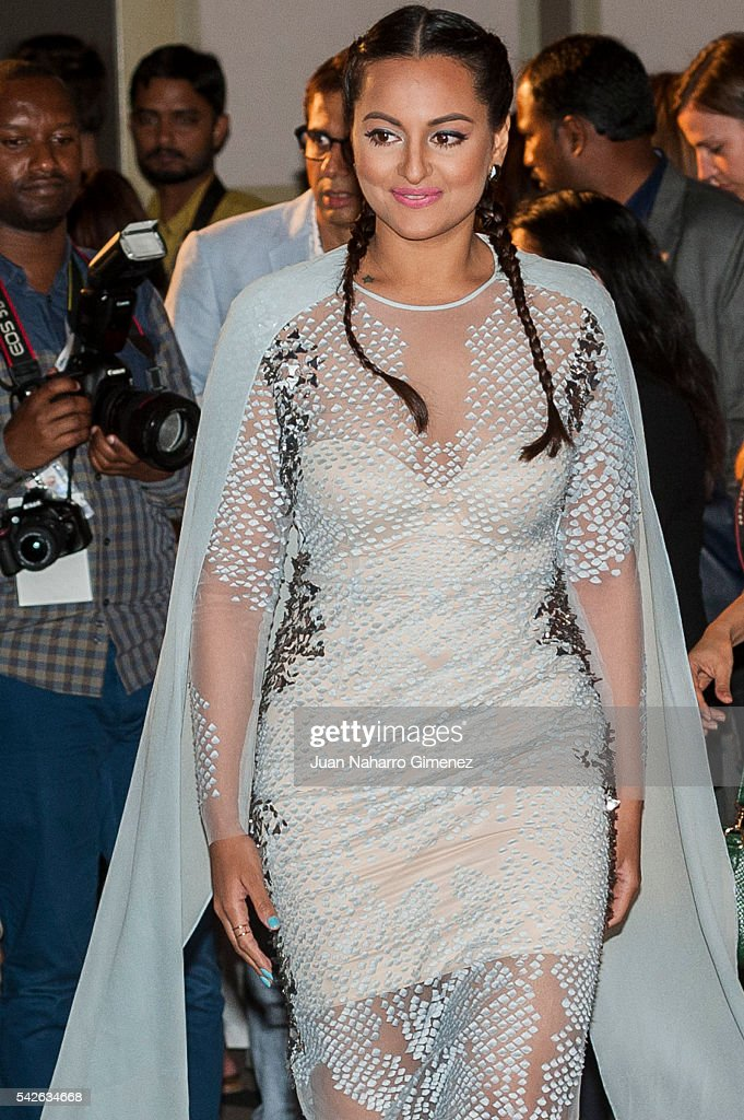 Indian actress <a gi-track='captionPersonalityLinkClicked' href=/galleries/search?phrase=Sonakshi+Sinha&family=editorial&specificpeople=5781347 ng-click='$event.stopPropagation()'>Sonakshi Sinha</a> attends the 17th International Indian Film Academy (IIFA) awards press conference at Westin Palace Hotel on June 23, 2016 in Madrid, Spain.