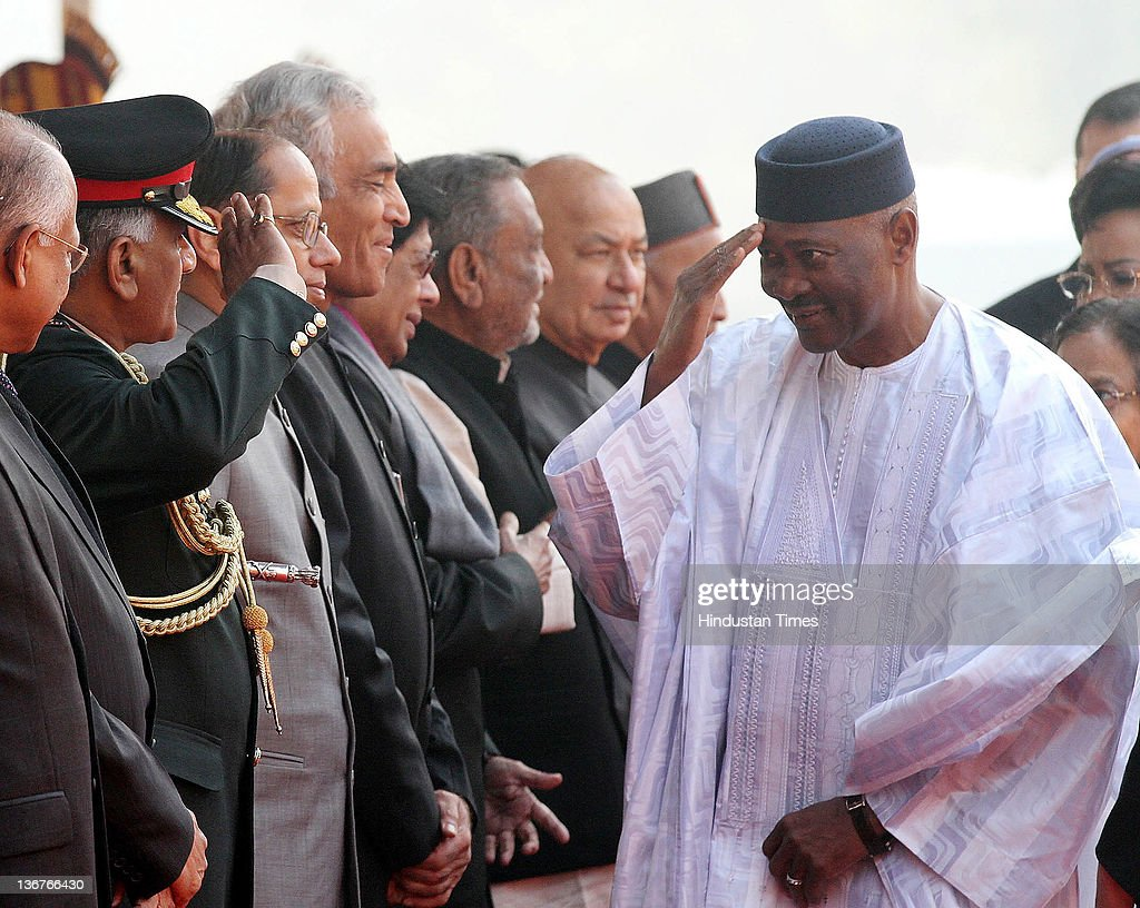 Indian Army Chief General V.K. Singh saluting President of Mali <a gi-track='captionPersonalityLinkClicked' href=/galleries/search?phrase=Amadou+Toumani+Toure&family=editorial&specificpeople=600956 ng-click='$event.stopPropagation()'>Amadou Toumani Toure</a>, during his ceremonial reception at the Presidential Palace on January 11, 2012 in New Delhi, India. On his 4 day visit to India, the President of Mali is accompanied by a high level Ministerial and Business delegation. His visit is aimed at consolidating the strong relations between two nations.