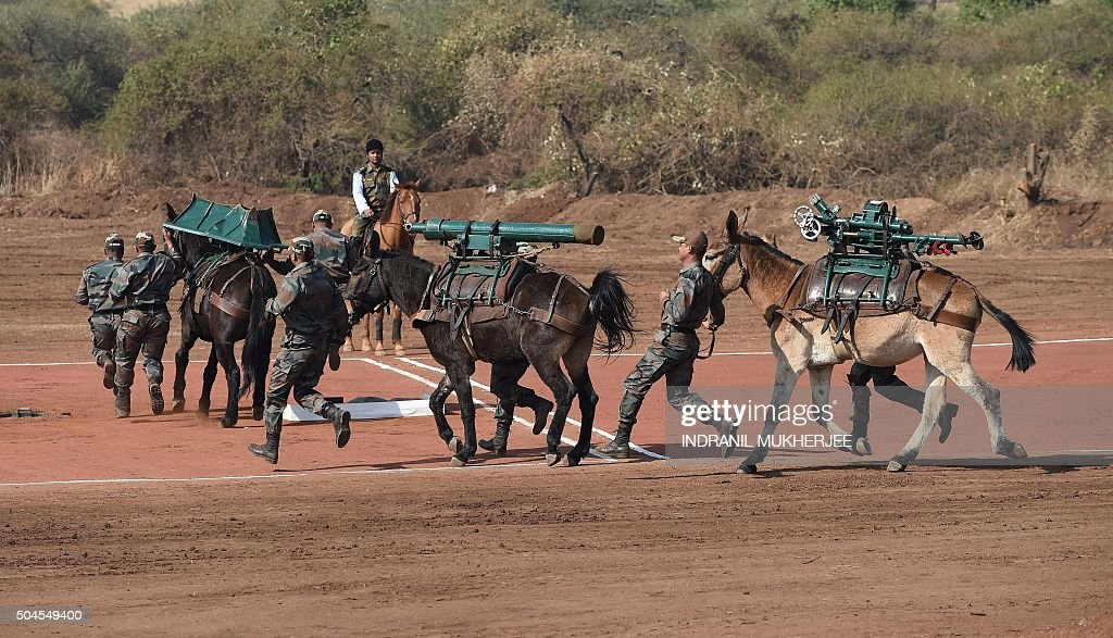 Russian Ground Forces: News #2 - Page 25 Indian-army-soldiers-accompany-horses-carrying-a-120mm-brandt-mortar-picture-id504549400