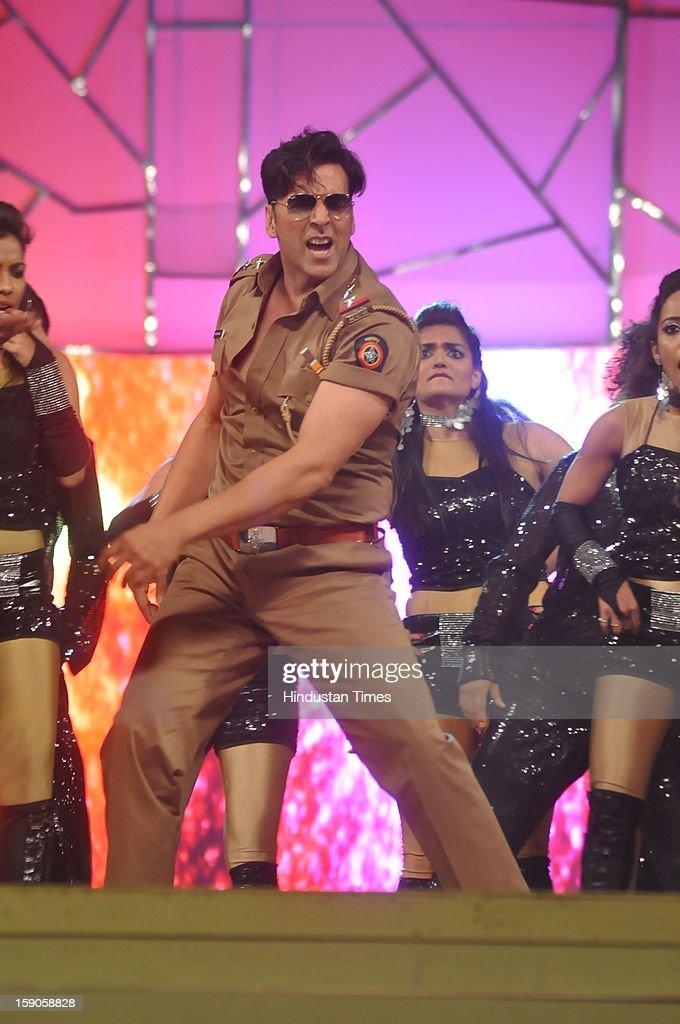 Indian bollywood actor Akshay Kumar performing during the Umang Mumbai Police Annual Show 2013 at Andheri Sports Complex on January 5, 2013 in Mumbai, India.