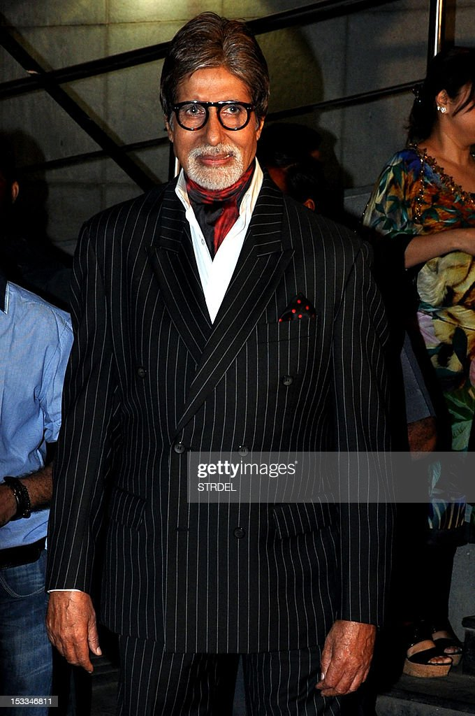 """Indian Bollywood actor Amitabh Bachchan attends the premier of the Hindi film """"Chittagong"""" directed by Bedabrata Pain in Mumbai on October 3, 2012."""