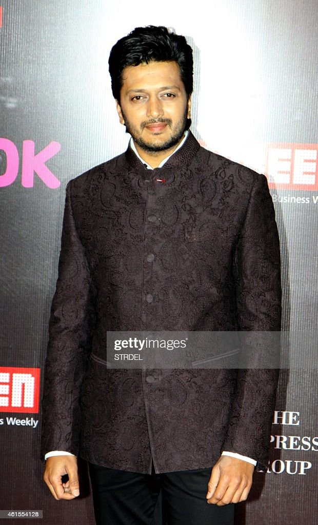 Indian Bollywood actor Riteish Deshmukh attends the 'Life OK Screen Awards 2015' in Mumbai on January 14, 2015. AFP PHOTO/STR