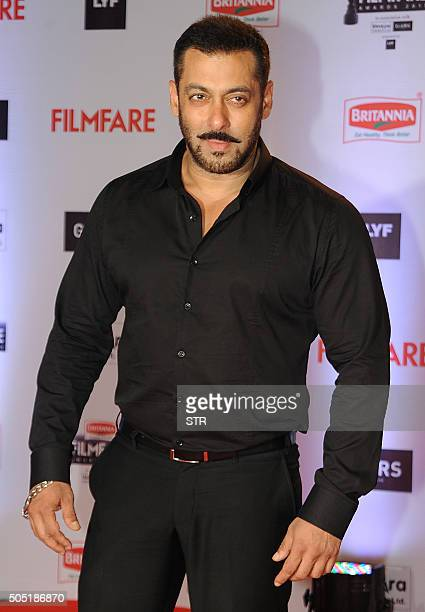 Indian Bollywood actor Salman Khan attends the '61st Filmfare Awards 2016' ceremony in Mumbai on January 15 2016 AFP PHOTO / AFP / STR
