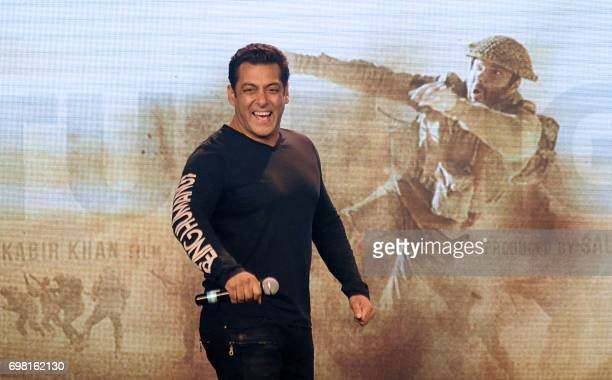 Indian Bollywood actor Salman Khan dances during the promotion of his upcoming Hindi film Tubelight in Mumbai on late June 19 2017 / AFP PHOTO /