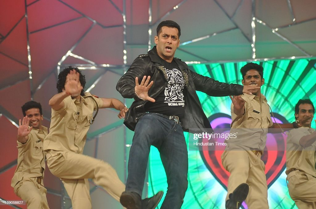 Indian bollywood actor <a gi-track='captionPersonalityLinkClicked' href=/galleries/search?phrase=Salman+Khan+-+Acteur&family=editorial&specificpeople=558807 ng-click='$event.stopPropagation()'>Salman Khan</a> performing during the Umang Mumbai Police Annual Show 2013 at Andheri Sports Complex on January 5, 2013 in Mumbai, India.