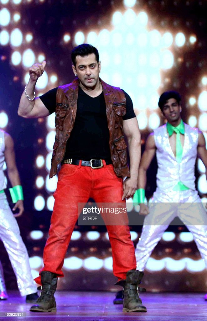 Indian Bollywood actor <a gi-track='captionPersonalityLinkClicked' href=/galleries/search?phrase=Salman+Khan+-+Actor&family=editorial&specificpeople=558807 ng-click='$event.stopPropagation()'>Salman Khan</a> performs during the BIG STAR Entertainment Awards 2014 in Mumbai on December 18, 2014.