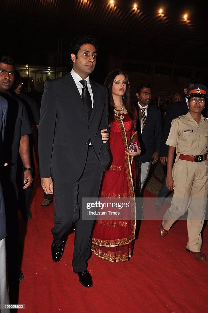 Indian bollywood actors Abhishek Bachchan with wife Aishwarya Rai Bachchan during the Umang Mumbai Police Annual Show 2013 at Andheri Sports Complex on January 5, 2013 in Mumbai, India.