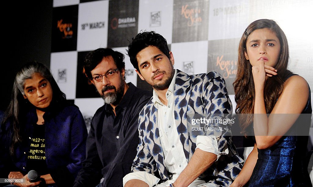 Indian Bollywood actors (L-R) Ratna Pathak, Rajat Kapur, Sidharth Malhotra and Alia Bhatt attend the trailer launch of upcoming Hindi film 'Kapoor & Sons' in Mumbai on February 10, 2016. AFP PHOTO / Sujit Jaiswal / AFP / SUJIT JAISWAL
