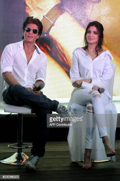 Indian Bollywood actors Shah Rukh Khan and Anushka Sharma take part in a promotional event for the forthcoming Hindi film 'Jab Harry Met Sejal' in...