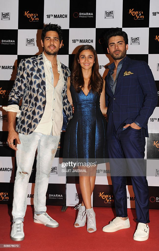Indian Bollywood actors (L-R) Sidharth Malhotra, Alia Bhatt and Pakistani actor Fawad Khan attend the trailer launch of upcoming Hindi film 'Kapoor & Sons' in Mumbai on February 10, 2016. AFP PHOTO / Sujit Jaiswal / AFP / SUJIT JAISWAL