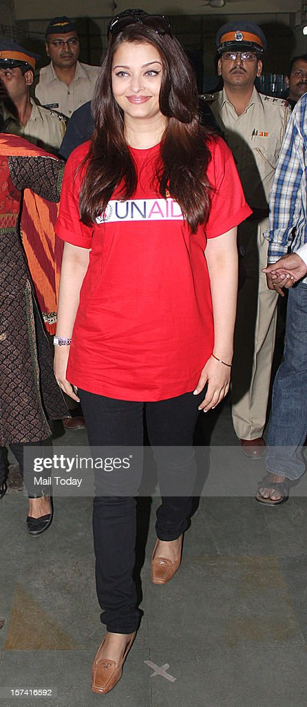 Indian Bollywood actress Aishwarya Rai Bachchan during a visit to the Lokmanya Tilak Municipal Medical General Hospital to meet children suffering from AIDS in Mumbai on December 1, 2012.