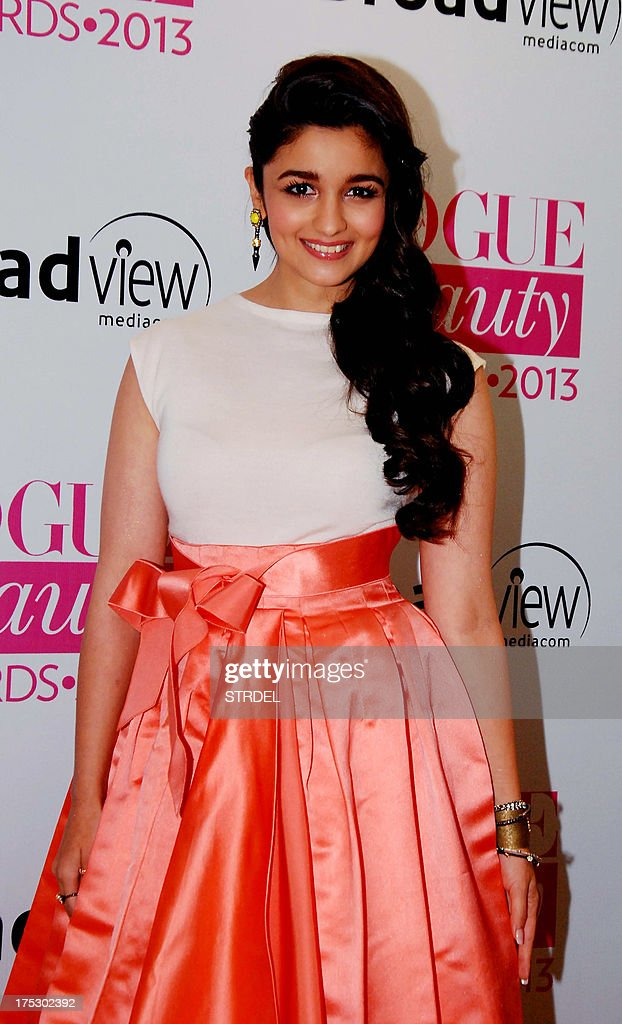 Indian Bollywood actress Alia Bhatt attends the Vogue Beauty Awards 2013 ceremony in Mumbai late August 1, 2013.