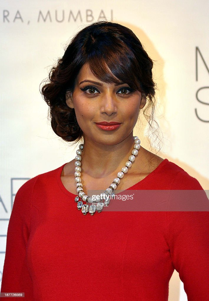 Indian Bollywood actress <a gi-track='captionPersonalityLinkClicked' href=/galleries/search?phrase=Bipasha+Basu&family=editorial&specificpeople=695956 ng-click='$event.stopPropagation()'>Bipasha Basu</a> poses during a promotional event in Mumbai on November 11, 2013. AFP PHOTO/STR