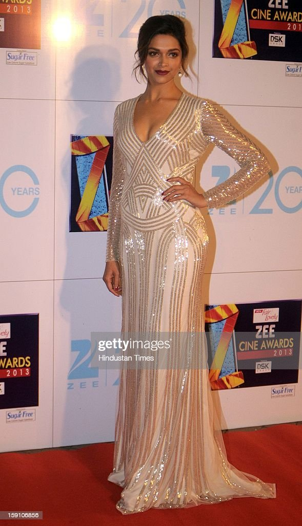 Indian bollywood actress <a gi-track='captionPersonalityLinkClicked' href=/galleries/search?phrase=Deepika+Padukone&family=editorial&specificpeople=869186 ng-click='$event.stopPropagation()'>Deepika Padukone</a> attending Zee Cine Awards 2013 at Yash Raj Studio on January 6, 2013 in Mumbai, India.