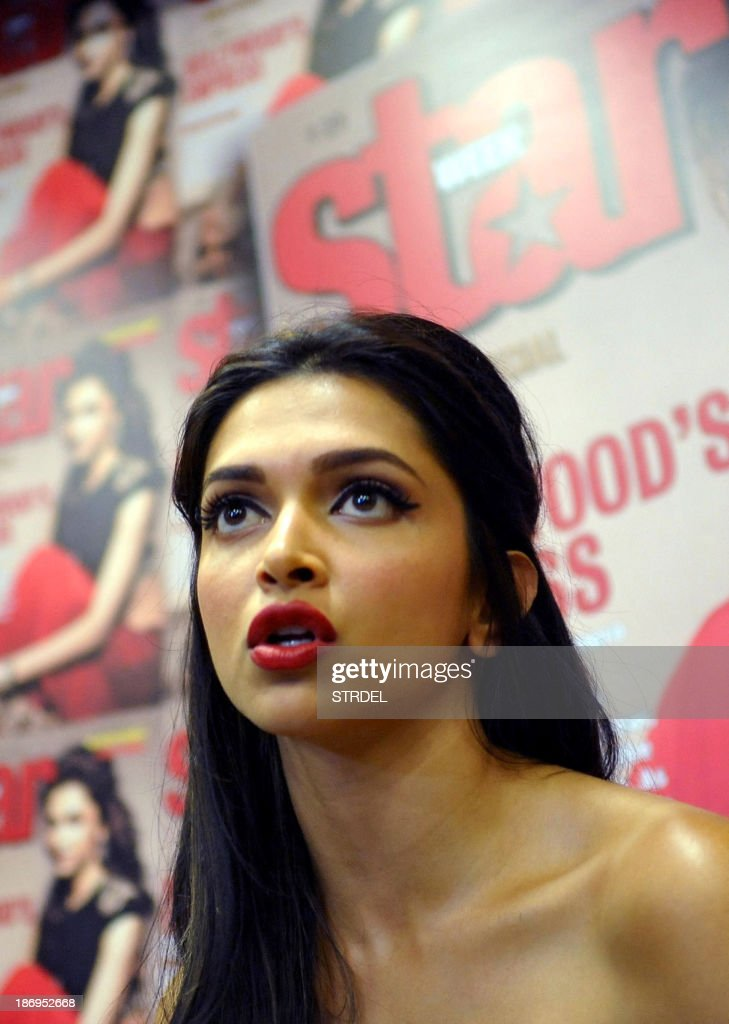 Indian Bollywood actress Deepika Padukone poses during the unveiling of a Special Diwali edition of Star Week magazine in Mumbai on November 5, 2013. AFP PHOTO/STR