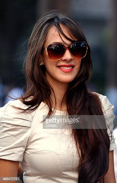 Indian Bollywood actress Hazel Keech poses for a photograph during the Derby of Mid Day trophy event in Mumbai on January 18 2014 AFP PHOTO/STR