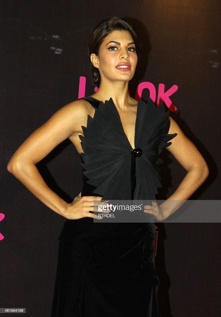 Indian Bollywood actress <a gi-track='captionPersonalityLinkClicked' href=/galleries/search?phrase=Jacqueline+Fernandez&family=editorial&specificpeople=5749256 ng-click='$event.stopPropagation()'>Jacqueline Fernandez</a> attends the 'Life OK Screen Awards 2015' in Mumbai on January 14, 2015. AFP PHOTO/STR