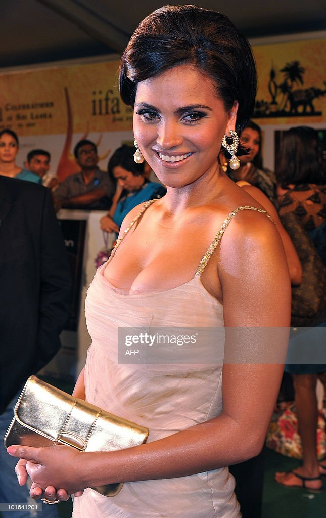 Indian Bollywood actress Lara Dutta arrives at the International Indian Film Academy (IIFA) awards in Colombo on June 5, 2010. Bollywood actors arrived in Sri Lanka to attend the three-day International Indian Film Academy (IIFA) awards and surrounding events that begun in Colombo on June 3. AFP PHOTO/ Punit PARANJPE