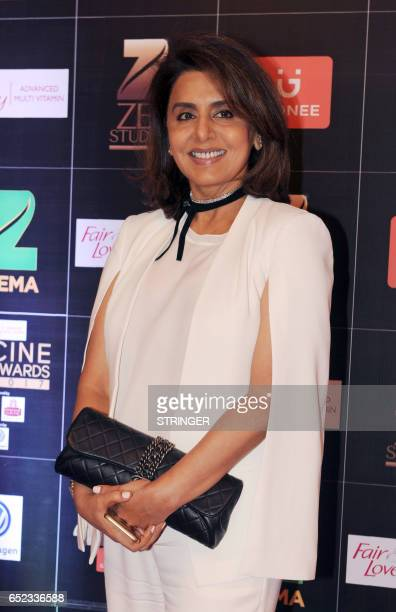 Indian Bollywood actress Neetu Singh attends the 'Zee Cine Awards 2017' ceremony in Mumbai on March 11 2017 / AFP PHOTO / STRINGER