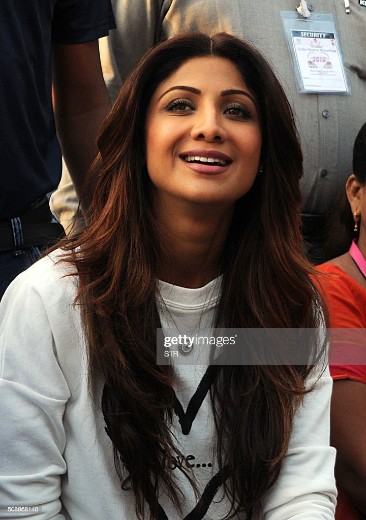 Indian Bollywood actress Shilpa Shetty attends the annual 'Little Hearts Marathon 2016' organized by BJ Wadia Children's Hospital and Siddhivinayak Trustees in Mumbai on February 7, 2016. AFP PHOTO / AFP / STR