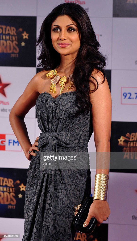 Indian Bollywood actress Shilpa Shetty attends the BIG Star Entertainment Awards ceremony in Mumbai on December 18, 2013.