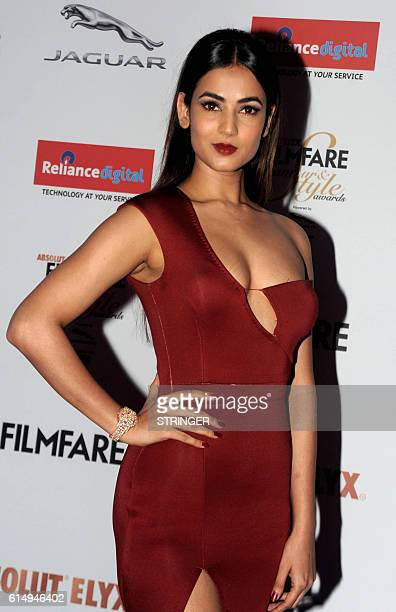 Indian Bollywood actress Sonal Chauhan attends the 'Filmfare Glamour and Style Awards 2016' in Mumbai on October 15 2016 / AFP / STRINGER